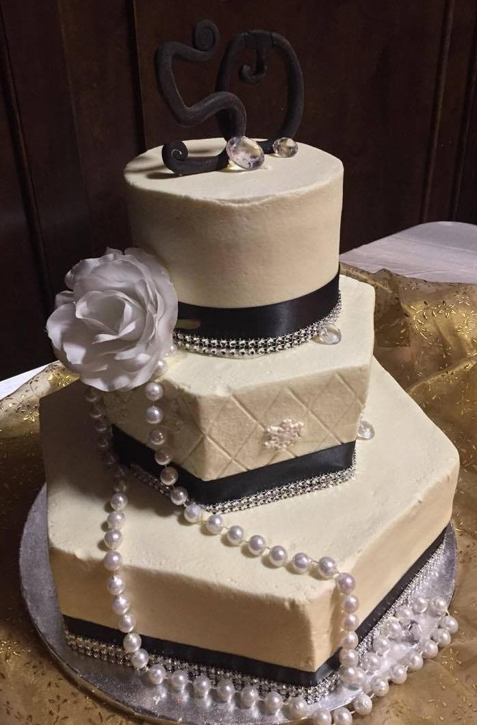 Dees delightful desserts llc your custom cake shop wedding cakes junglespirit Image collections